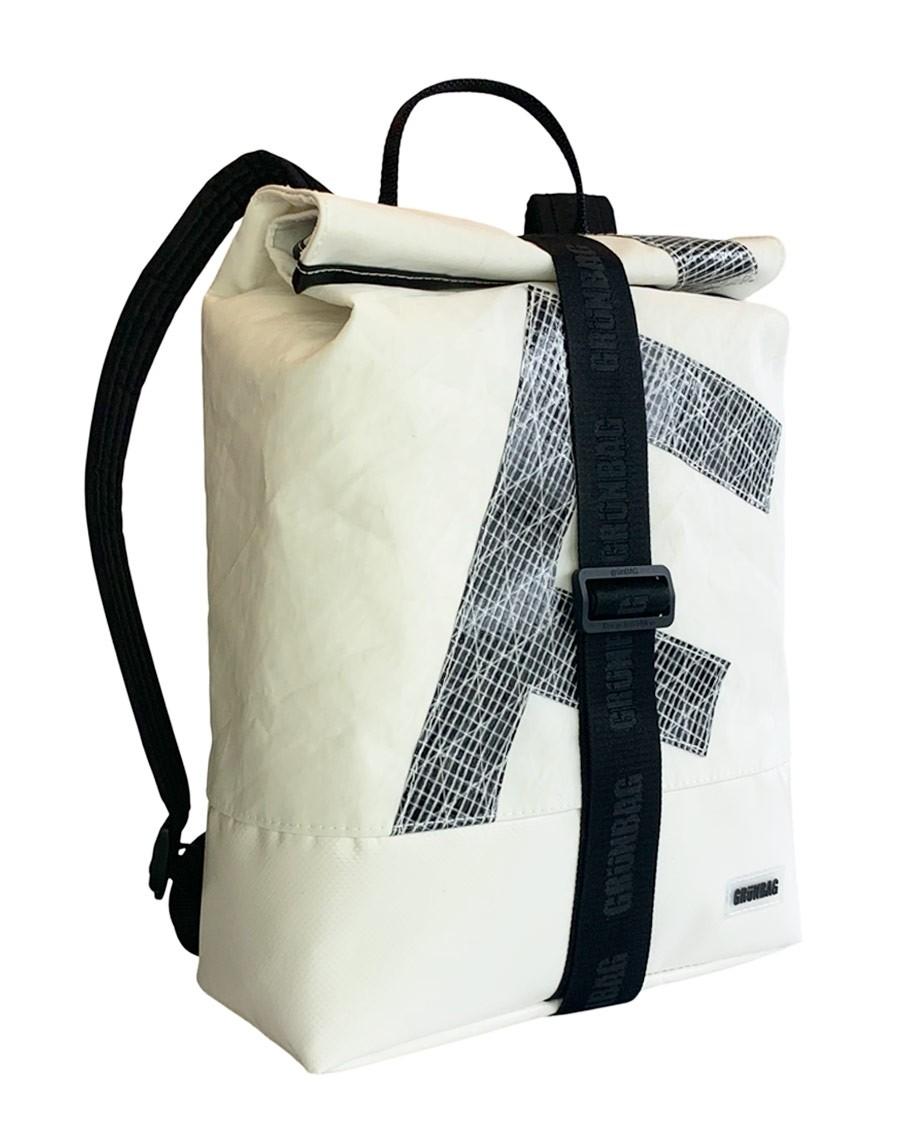 UniqueBackpackSailsStrap11-022