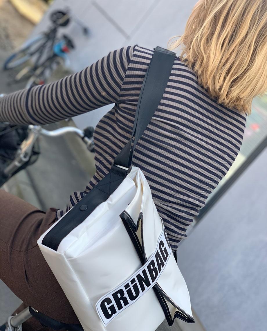 Weiße Laptoptasche Carry-05