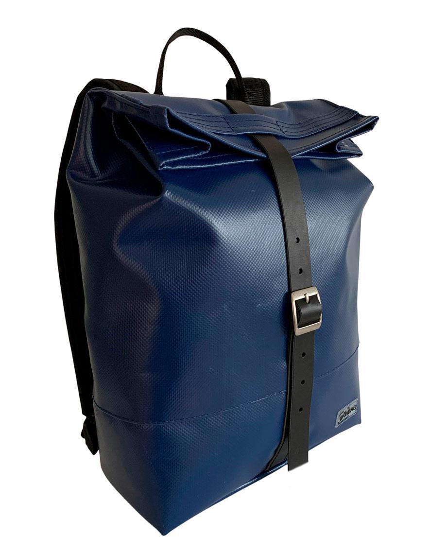 0__=__youtube___Inside the Liv backpack___https://www.youtube.com/embed/0LR6IW6Afp8___0LR6IW6Afp8