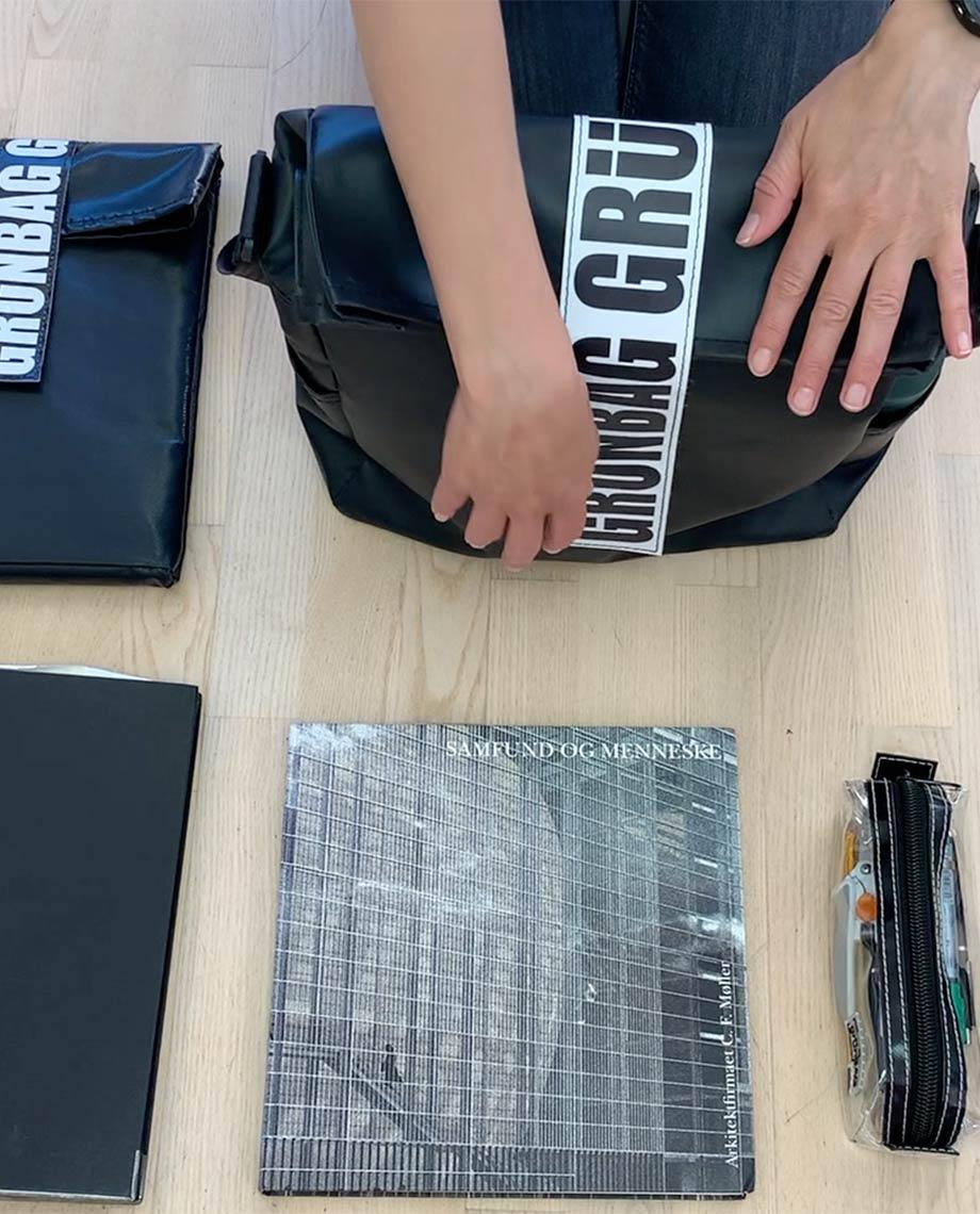 0__=__youtube___architect bag___https://www.youtube.com/embed/CkkTwlq5ha0___CkkTwlq5ha0